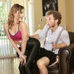 Kristen's Naughty Workout Treats – Voyeur – Tight Horny Blonde VR GFE Porno